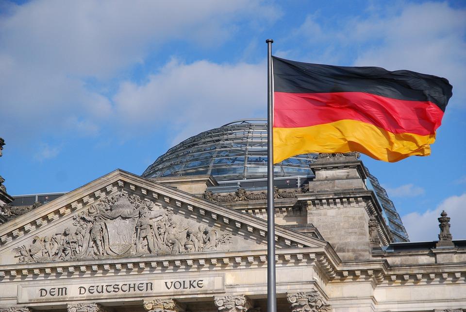 GermanyFlag - 5 Wesentliche Vorteile der Deutschen Bildung